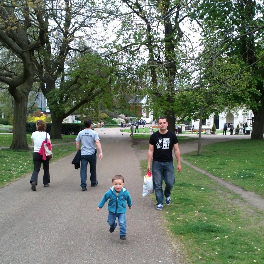 Louis runs through Kensington Gardens