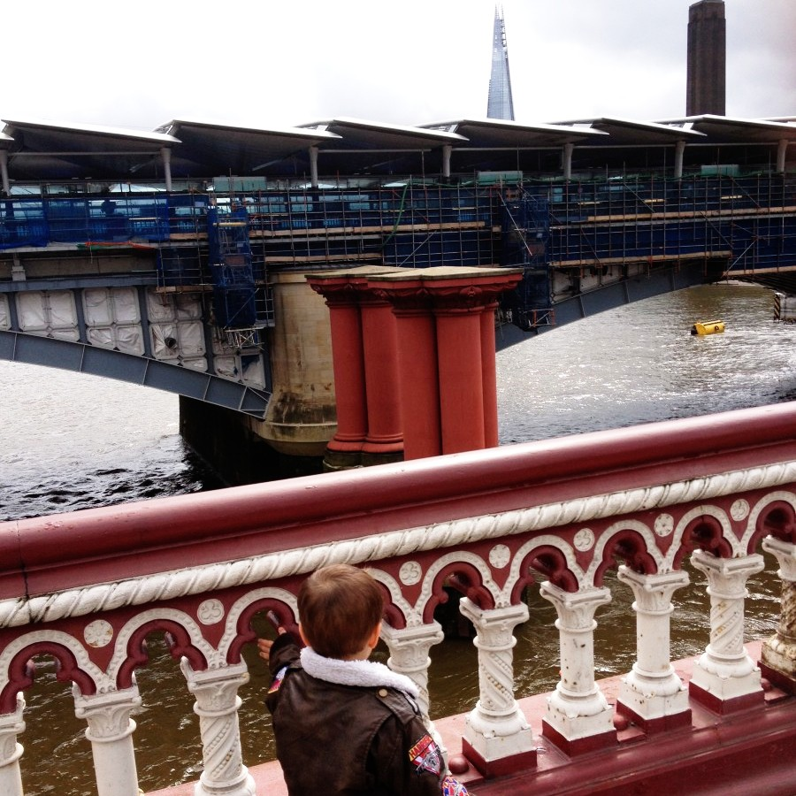 walking london's bridges