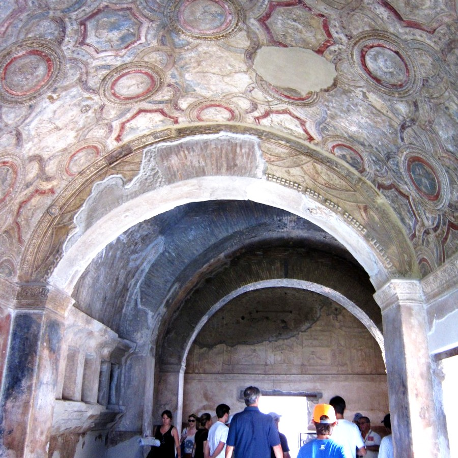frescoes and ceilings at pompeii