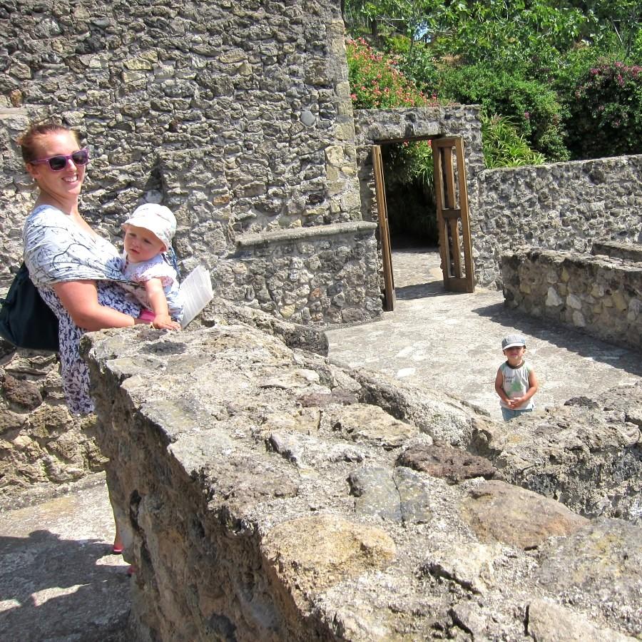 climbing the aragonese castle