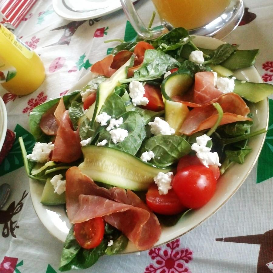 christmas dinner: salad