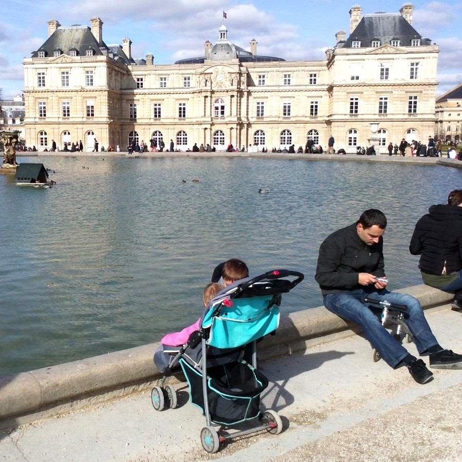 sunny sunday at luxembourg gardens