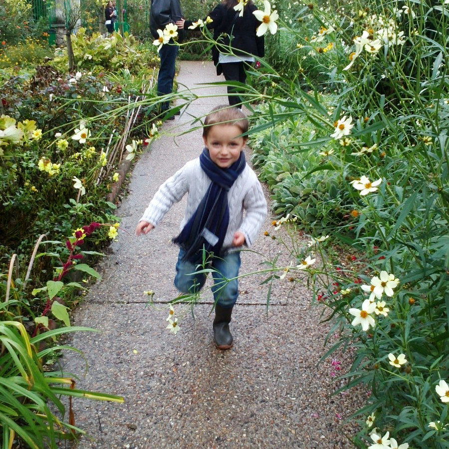 louis running around at monet's garden